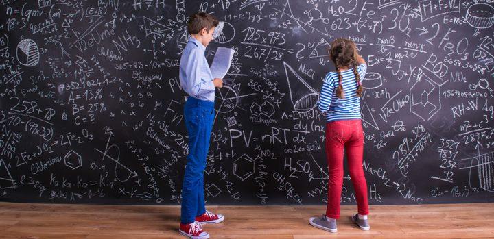 دراسة: الذكور ليسوا أفضل من الإناث في مجال المعادلات الحسابية