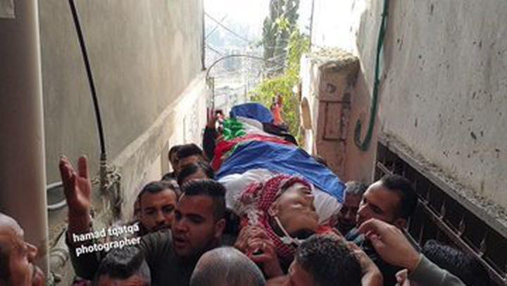 تشييع جثمان الشهيد البدوي في مخيم العروب