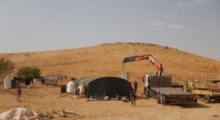 الاحتلال يخطر بوقف العمل في منشآت سكنية جنوب طوباس