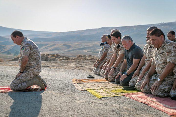 العاهل الأردني يقيم الصلاة في الباقورة بعد زيارتها
