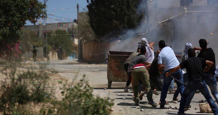 اصابات بالاختناق خلال مواجهات مع الاحتلال شمال الخليل