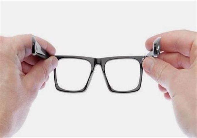 اليابان.. شركات تمنع الموظفات من ارتداء النظارات الطبية في العمل!
