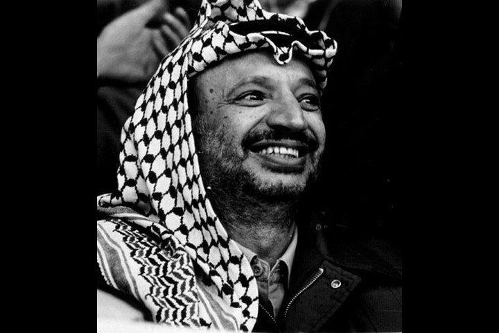 مواقف مؤثرة لبعض الناس مع الراحل ياسر عرفات