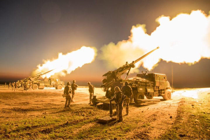 """الاحتلال يُهدّد بـ""""اجتياح غزة"""" ومصر تكثف جهودها لتثبيت التهدئة"""