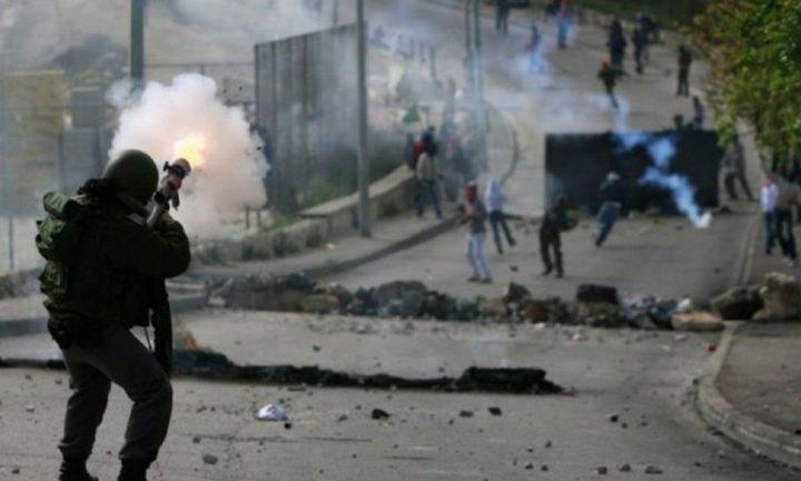 طولكرم: إصابة العشرات بالاختناق خلال مواجهات مع الاحتلال