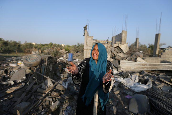 """الاحتلال يزعم: استهداف منزل """"أبو ملحوس"""" بدير البلح كان بالخطأ"""