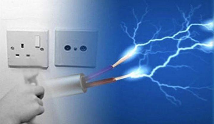 مصرع طفل بصعقة كهربائية بغزة