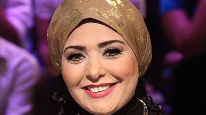 الفنانة المصرية صابرين تخلع الحجاب