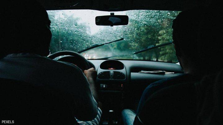 هل يجب تشغيل السيارة قبل تحريكها في الطقس البارد؟