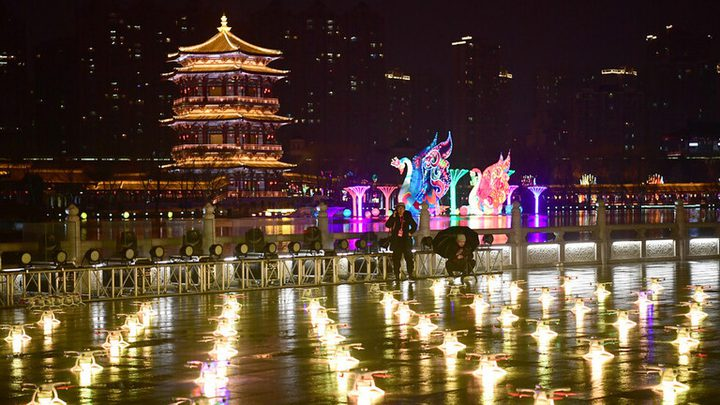 دورنات في سماء الصين تنفذ عرضاً رائعاً