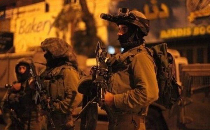 قوات الاحتلال تشن حملة مداهمات واعتقالات