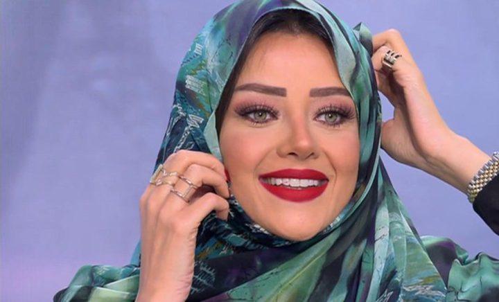 رضوى الشربيني ترتدي الحجاب على الهواء