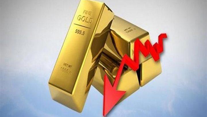 الذهب يتراجع بعد بيانات أمريكية قوية رفعت الدولار