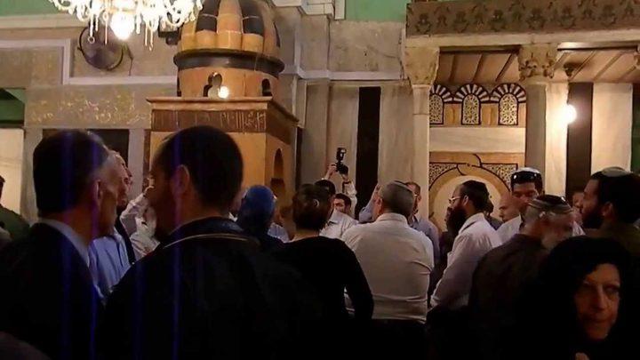 الخارجيةتطالب اليونسكو بتحمل مسؤولياتها لاقتحام الحرم الإبراهيمي