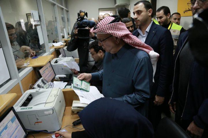 الإعلان عن موعد صرف المنحة القطرية بغزة