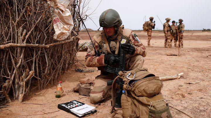 مقتل 13 جنديا فرنسيا في حادث تصادم بين مروحيتين في مالي