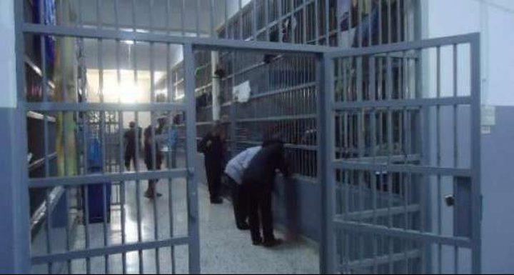 إعلان الحداد داخل السجون والأسرى يقررون ارجاع وجبات الطعام 3 أيام