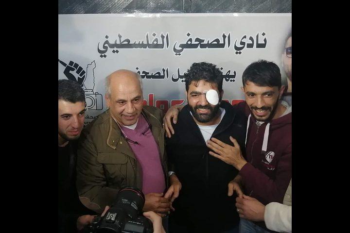 نادي الصحفي الفلسطيني يحتفل بعودة الزميل معاذ عمارنة