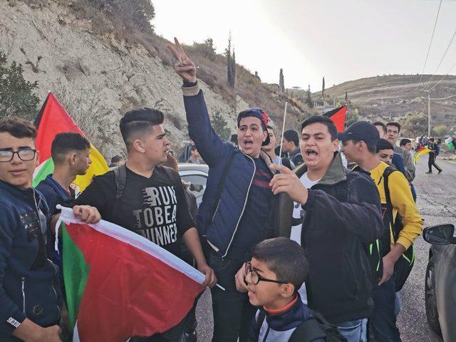 مسيرات غاضبة في سيلة الظهر مسقط رأس الشهيد أبو دياك