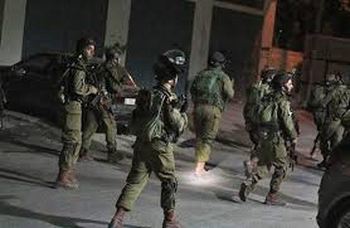 اعتقال 8 مواطنين من الضفة