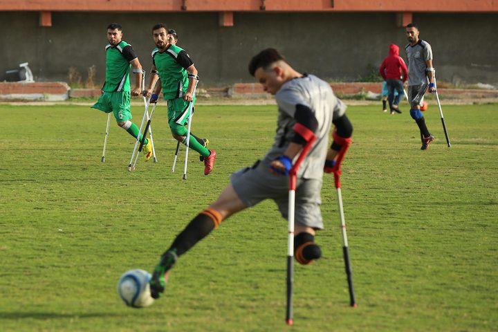مبتوري الأطراف يشاركون في المباراة النهائية لكرة القدم في غزة