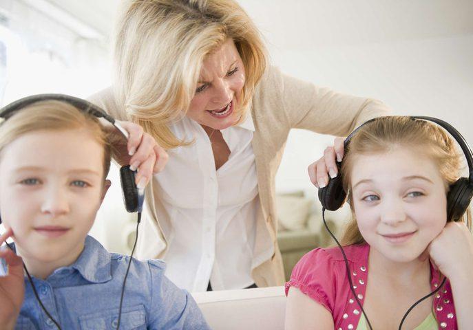 كيف تشجع ابنك المراهق على الإستماع إليك ؟