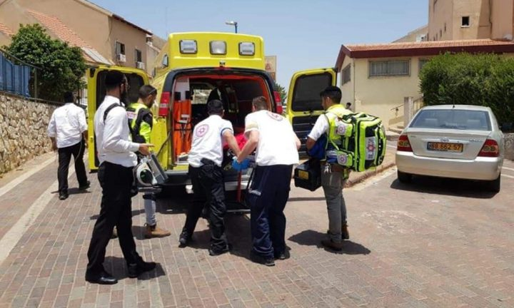 إصابة خطيرة لشاب بحادث سير في حيفا