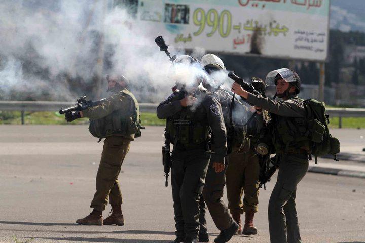 إصابات بالاختناق خلال مواجهات مع الاحتلال في بيت امر