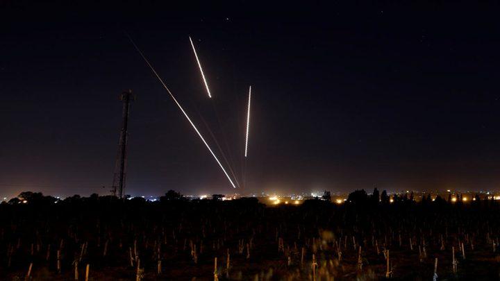 الإحتلال يزعم سقوط صاروخين أطلقا من قطاع غزة في منطقة مفتوحة