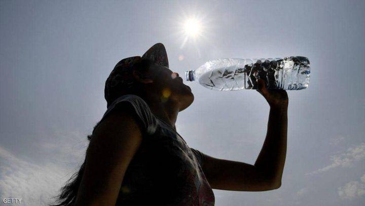 علامات على أنك تشرب ماء بكثرة