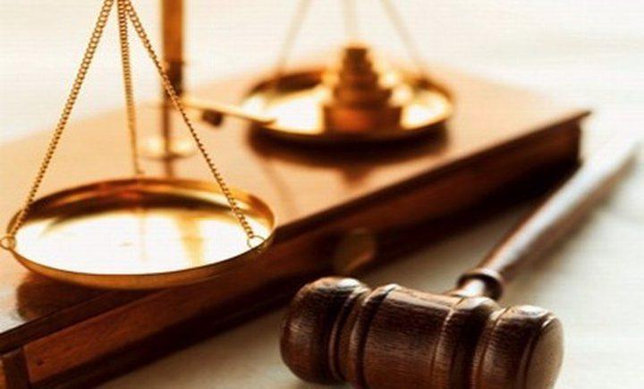 الحكم بالاعدام على ضابط وسجن أخر بتهمة قتل متظاهرين بالعراق