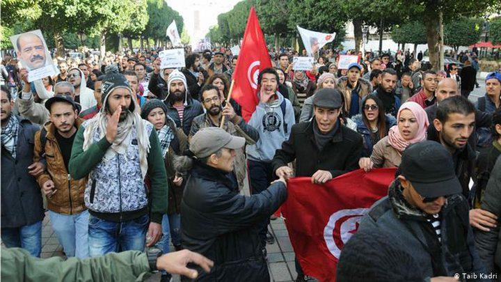 احتجاجات في تونس عقب اشعال شاب النار بنفسه