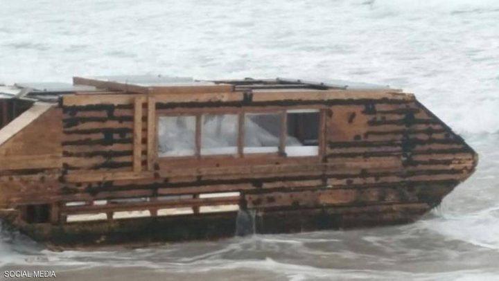 أيرلندا.. كشف لغز القارب الخشبي المهجور بعد 3 سنوات من إكتشافه !