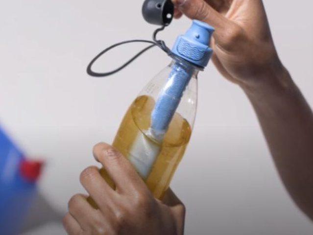 اختراع قارورة مياه توفر مياه عذبة خالية من البكتيريا والملوثات
