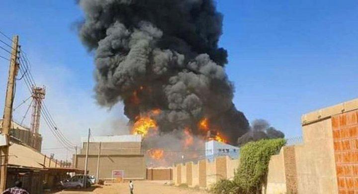 مقتل 23 شخصاً وإصابة العشرات إثر حريق بمصنع في الخرطوم