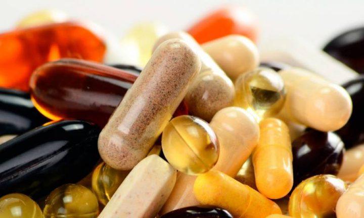 وزارة الصحة تحذر من شراء الأدوية والمكملات الغذائية عبر الانترنت