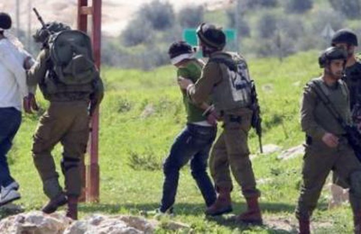 """الاحتلال يخلي مدرسة""""عوريف"""" جنوب نابلس ويعتقل طالبين"""