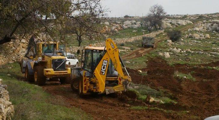 تجريف أراضي في قرية بورين جنوب نابلس