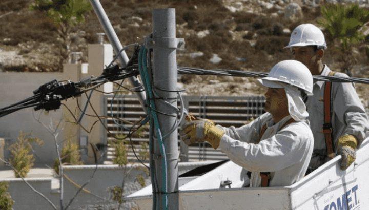 استبدال عدادات الكهرباء التقليدية بعدادات ذكية في منطقة العوجا