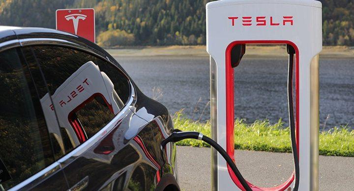 هل سينتقل العالم الى استخدام السيارات الكهربائية؟