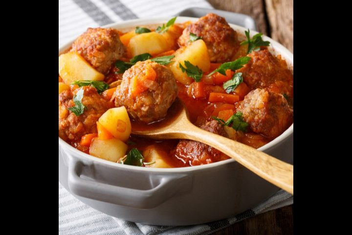 إيدام البطاطس مع كرات اللحم
