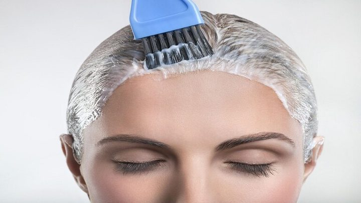 """خطر محتمل لصبغة الشعر على """"حياة"""" النساء!"""