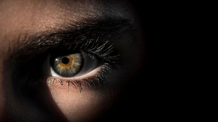 علامات في العين تكشف احتمال الإصابة بالسرطان