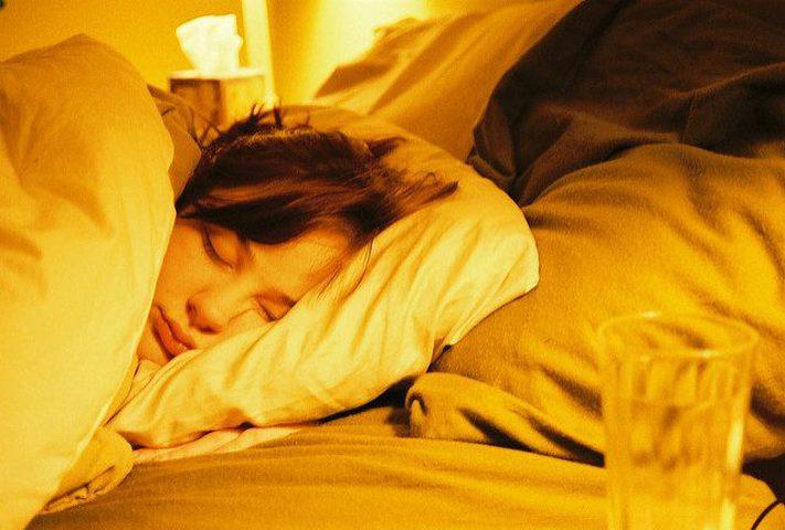 ما هي الأطعمة التي تعزز النوم العميق ؟