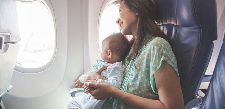 أهم النصائح للسفر والتنقل مع طفلك الرضيع بأمان