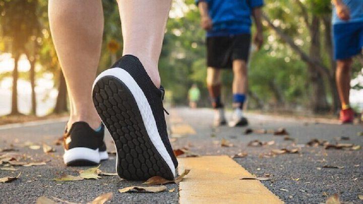 المشي السريع نصف ساعة يوميا يقي من مرض مزمن