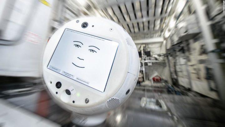 """الروبوت """"سيمون2"""" إلى محطة الفضاء الدولية لحل مشكلة """"الوحدة"""""""