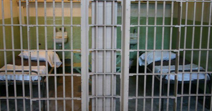 الأسرى: إدارة سجون الاحتلال تمعن في التضييق على الأسرى
