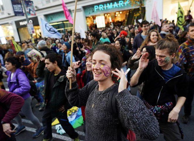احتجاجات في مدريد تزامنا مع قمة المناخ
