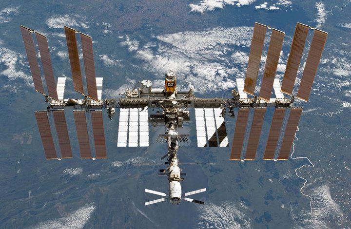 """محطة الفضاء الدولية تستلم """"فئرانا خارقة"""" وديدان وإنسانا آليا ذكيا"""